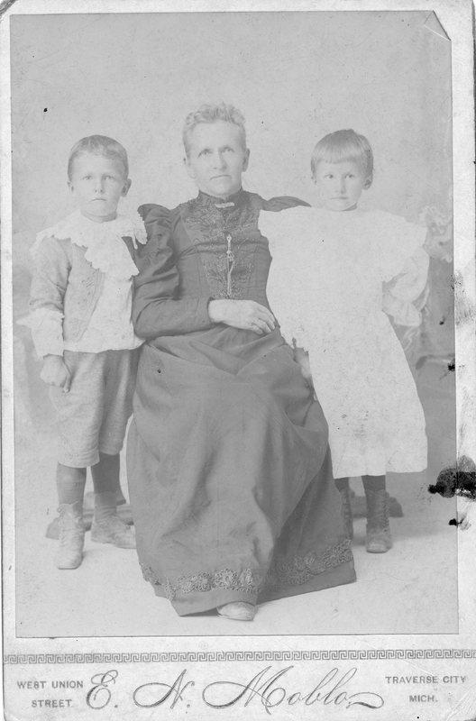http://chronicle.tadl.org/history_import/Images/004/117906061202.jpg